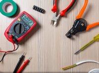 Technik do výroby elektrických rozváděčů